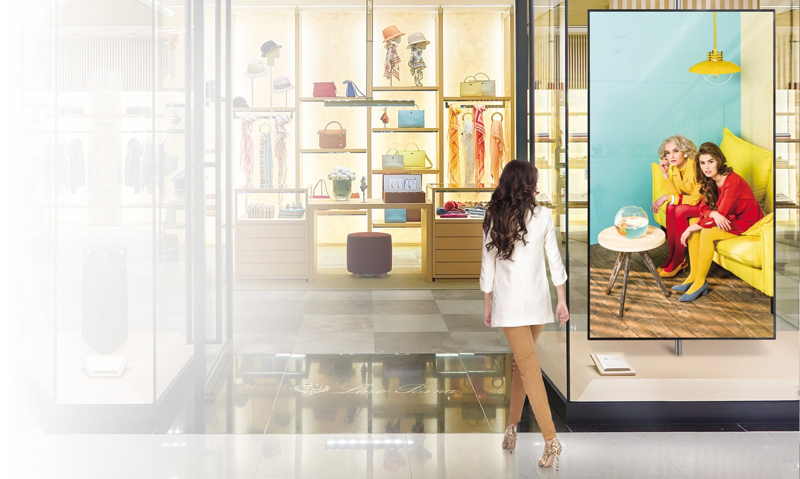 LG UHD Signage Captures the Customer's Attention1