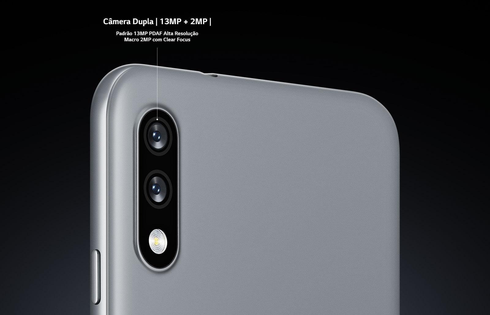 Vista traseira do smartphone apresentando duas câmeras
