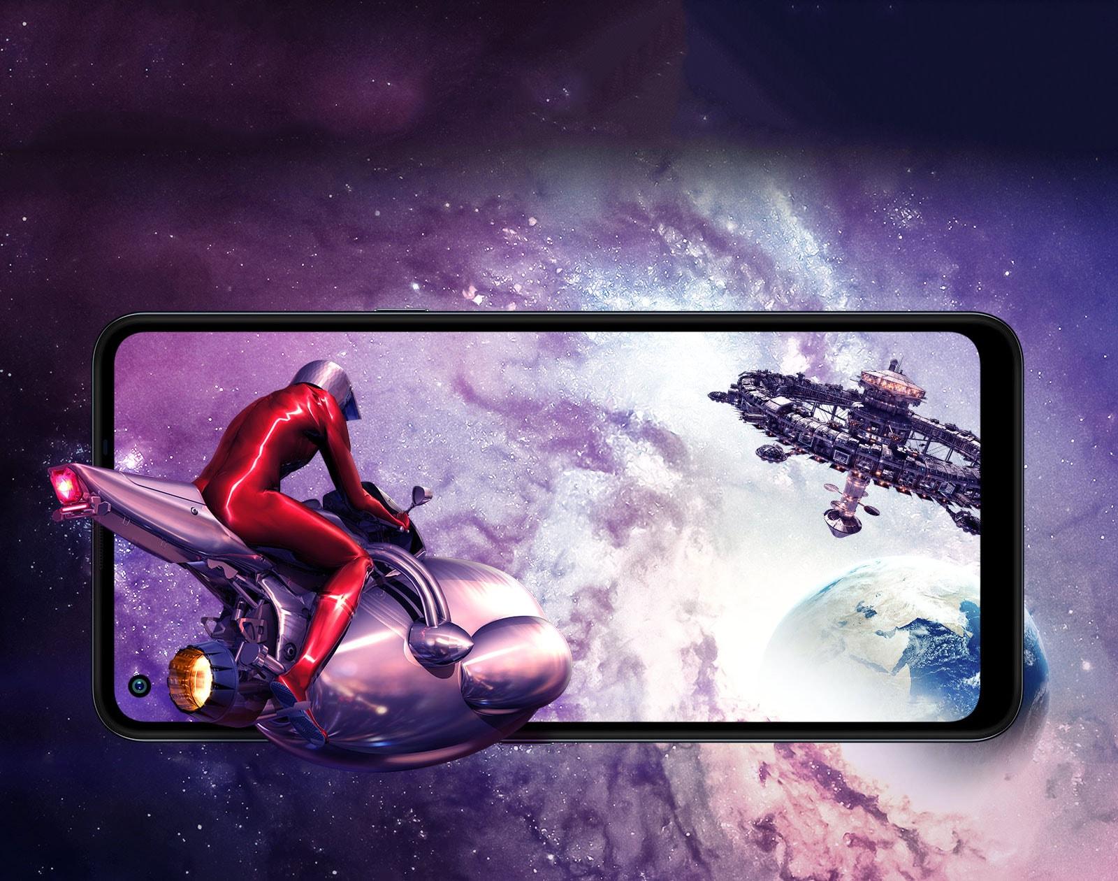 Homem voando em uma nave rumo a uma estação no espaço sideral