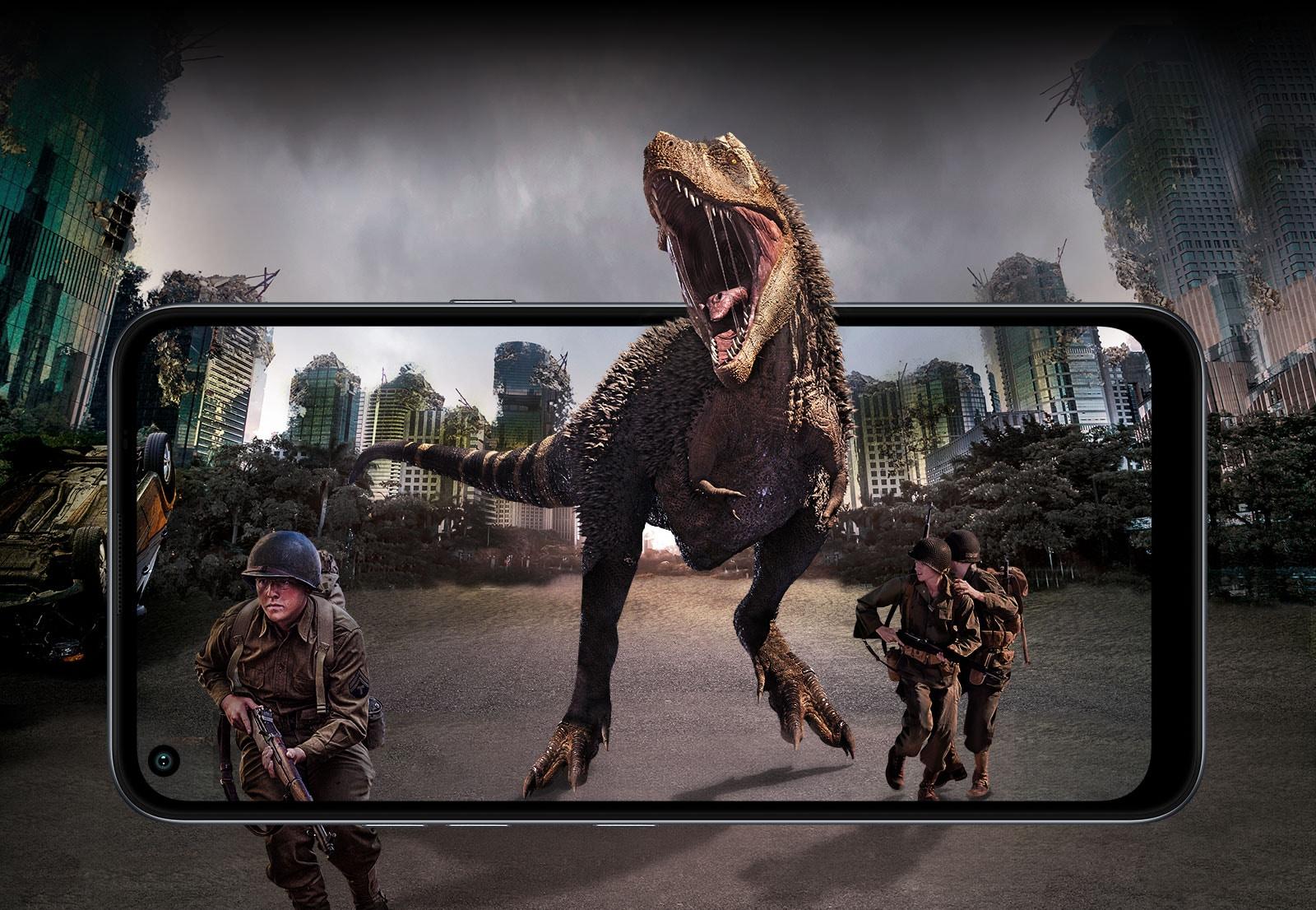 Detrás de la ciudad en ruinas y una lucha con un dinosaurio y soldados