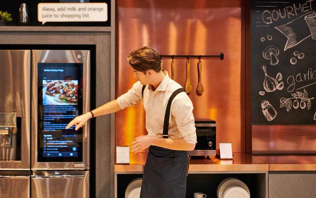 IFA 2018: A demonstrator points at the LG InstaView ThinQ refrigerator in the gourmet zone