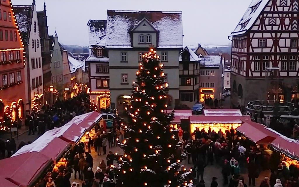 The town square in Rothenburg ob der Tauber, which hosts the Christmas market.