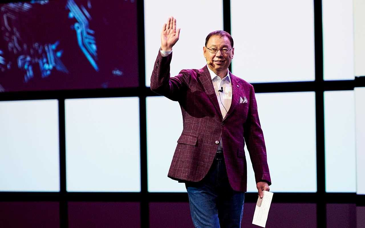 IFA 2018: LG's CEO waves to the crowd as he delivers the company's vision for the future of artificial intelligence.