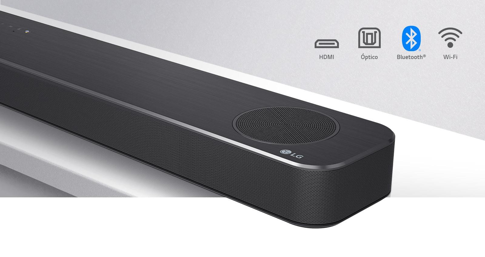 Primer plano del lado derecho de la barra de sonido LG con el logo de LG en la esquina inferior derecha. Los iconos de conectividad se muestran encima del producto.