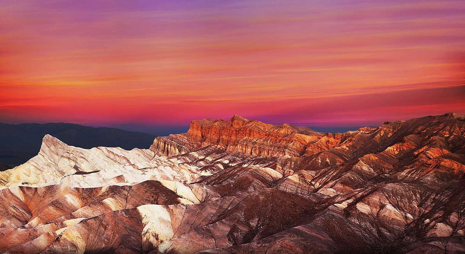 Paysage de montagne à la tombée du jour