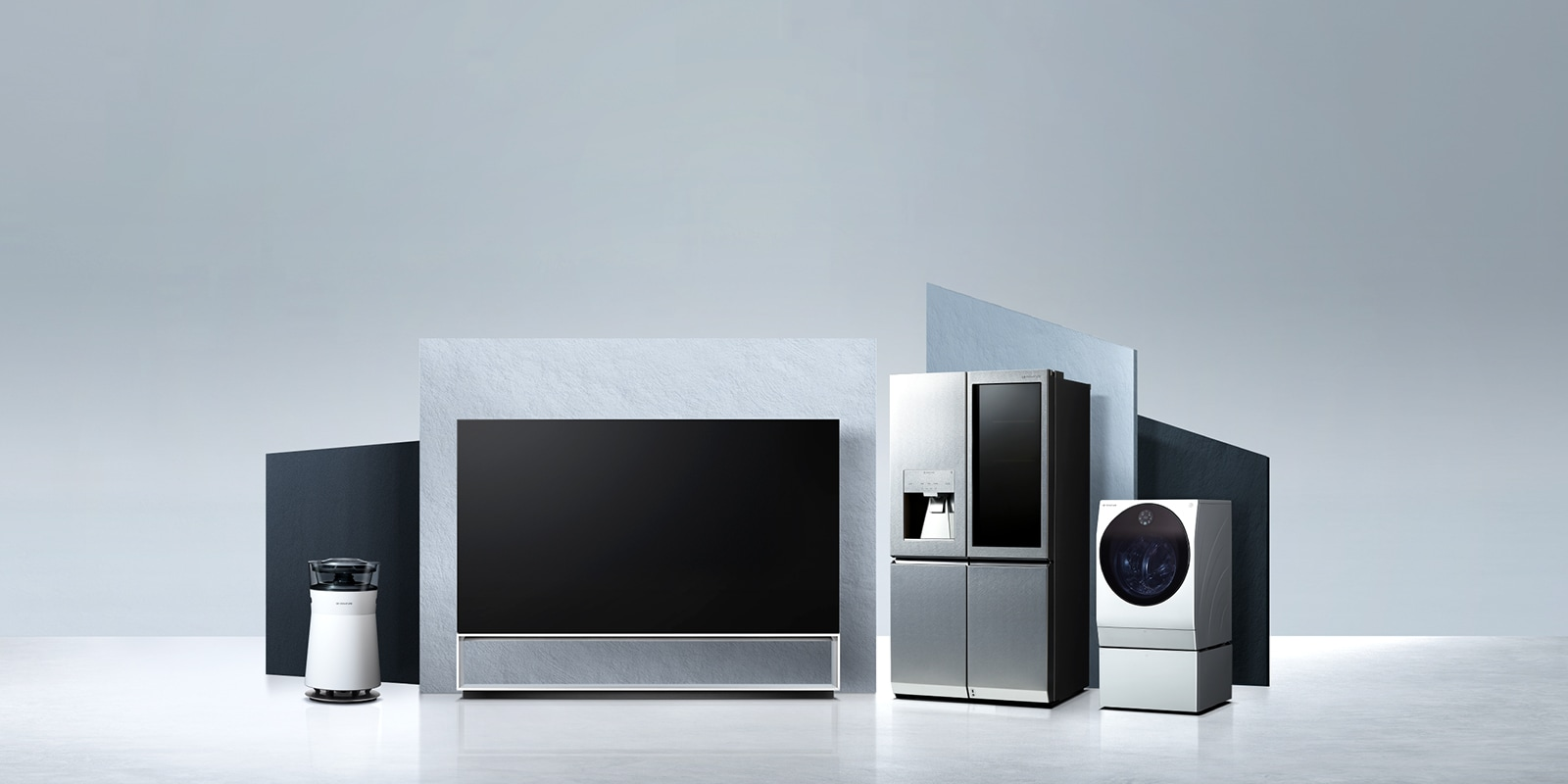 LG SIGNATURE OLED 8K TV, Refrigerator, Washing Machine, and Air Purifier are laid on the virtual space.