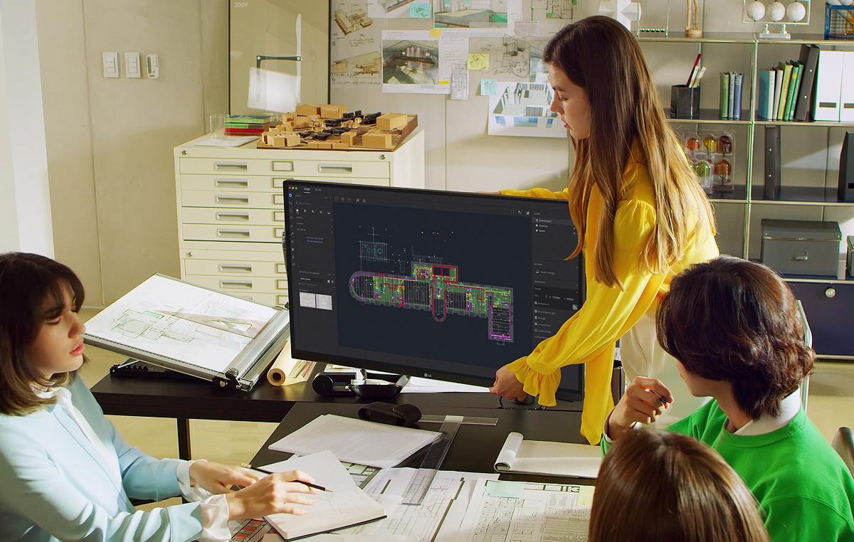 Scena arhitekta s ergonomskim stalkom