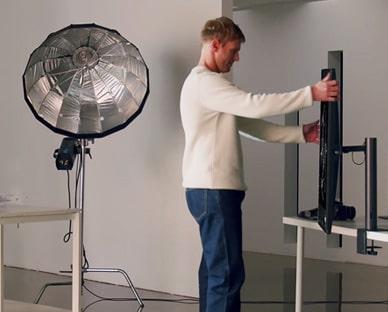 Scena fotografa s ergonomskim stalkom
