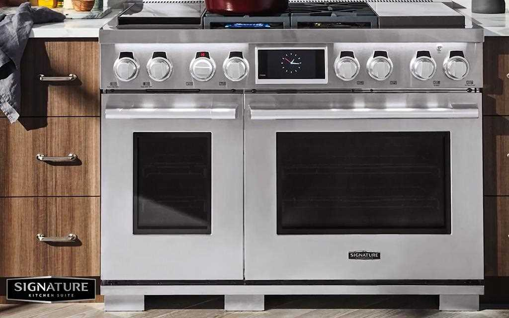 A full view of lg signature kitchen suite dual-fuel pro range.