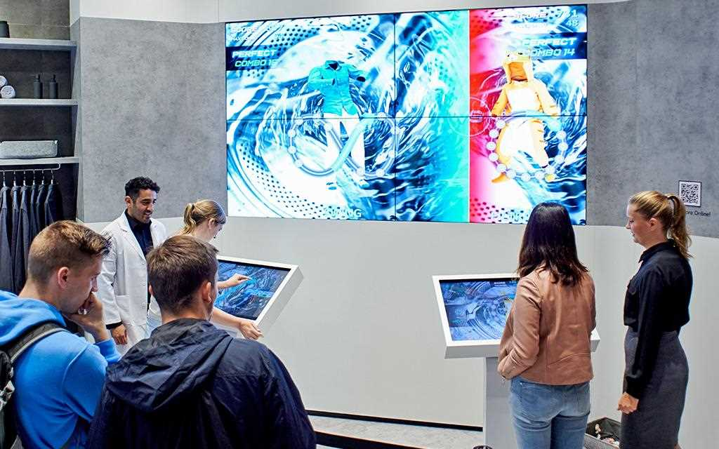 Visitors at LG's booth at IFA 2019 could participate in a refrigerator and washing machine game, testing their memory and rhythm skills to win prizes | More at LG MAGAZINE