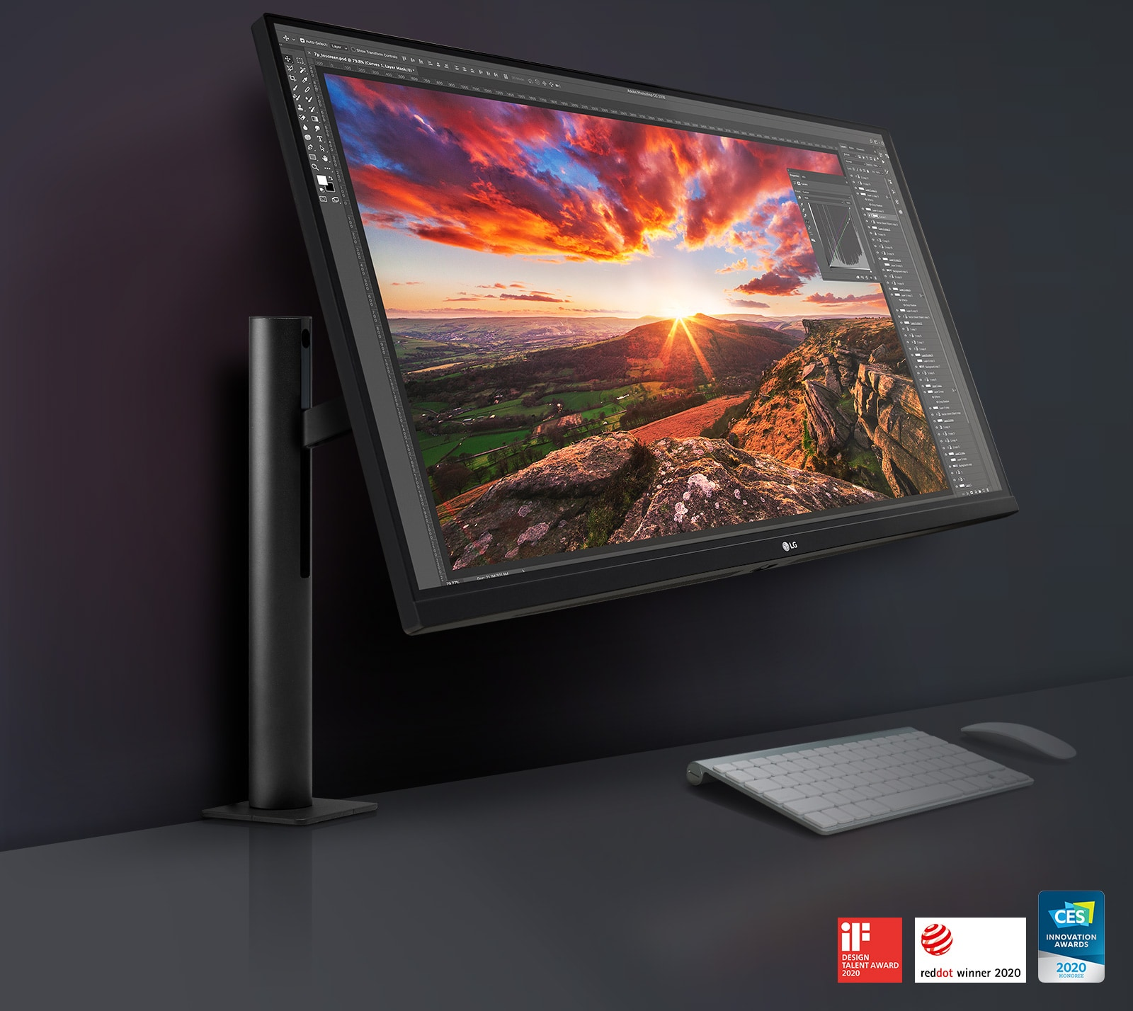 LG UltraFine ™ Ergo monitor: a design tailored for you