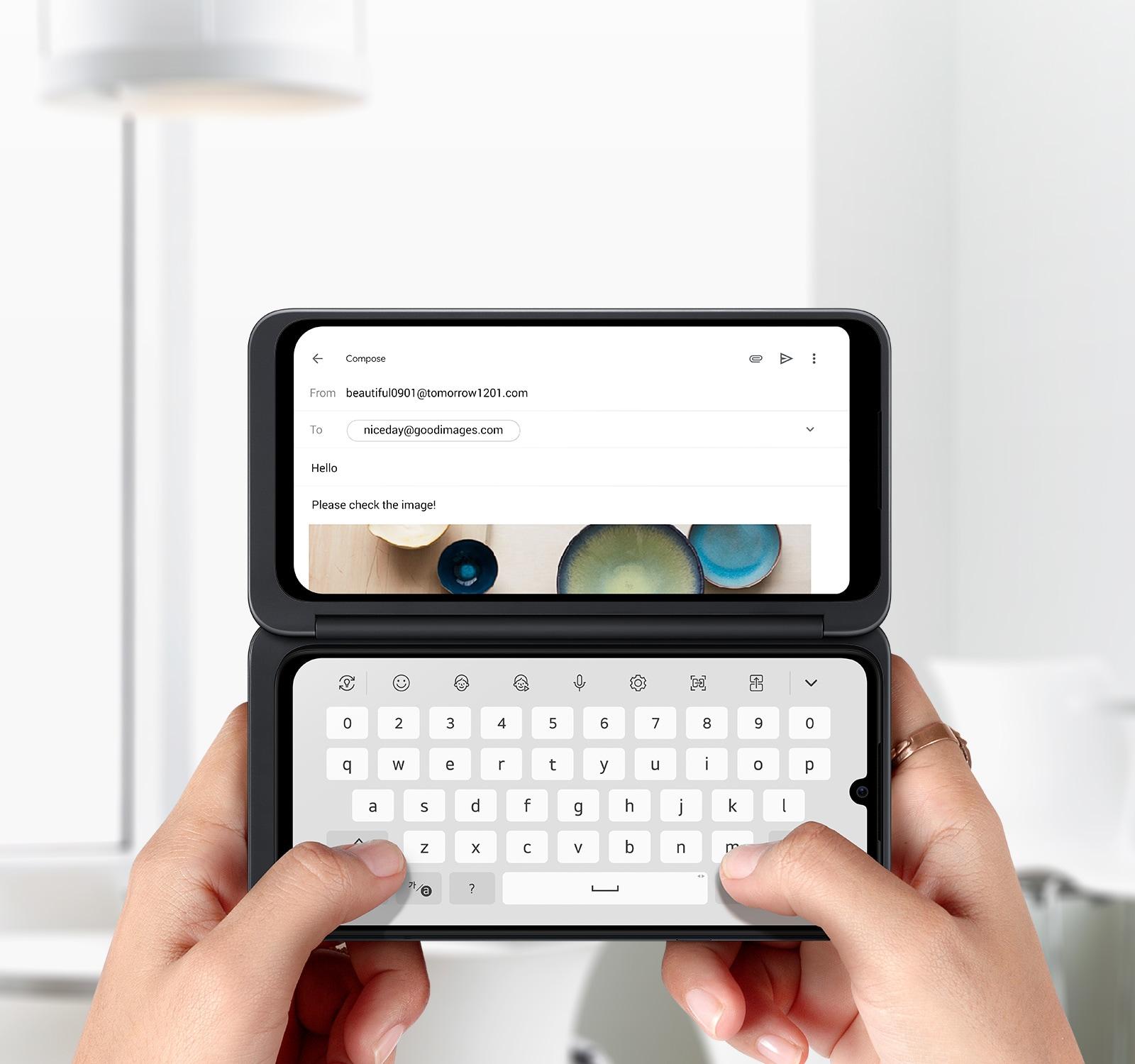 LG G8XThinQ dual screen LG Smart Keyboard