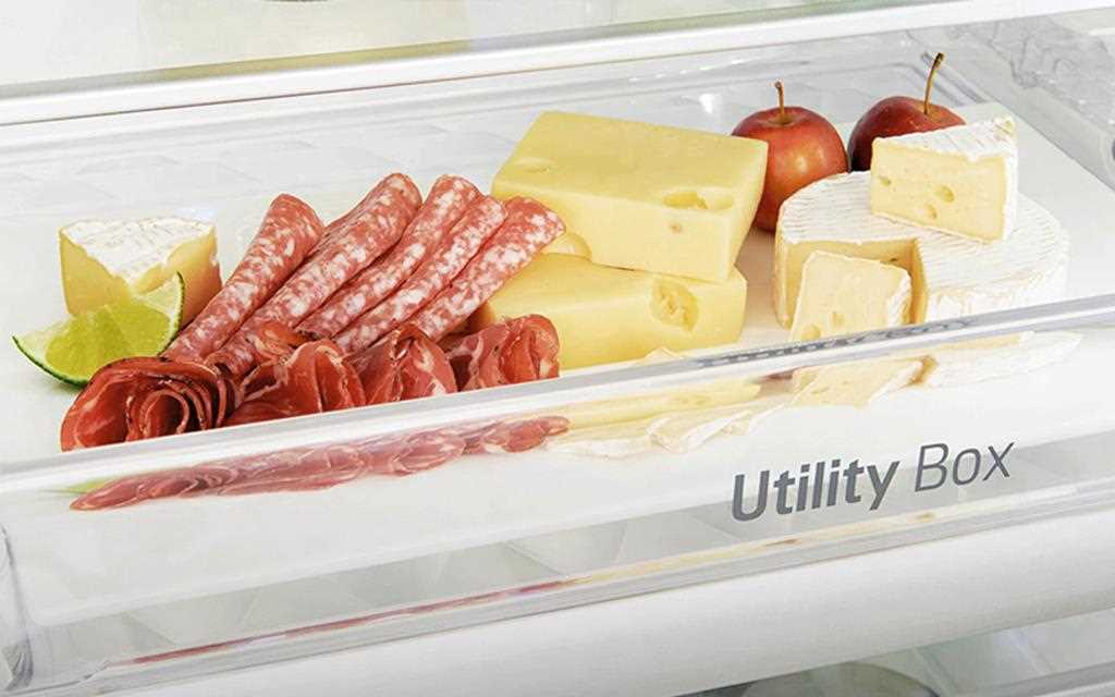 An image of cheese, jamón, and salami which can be freshly stored in utility box of LG InstaView Door-in-Door™ refrigerator.