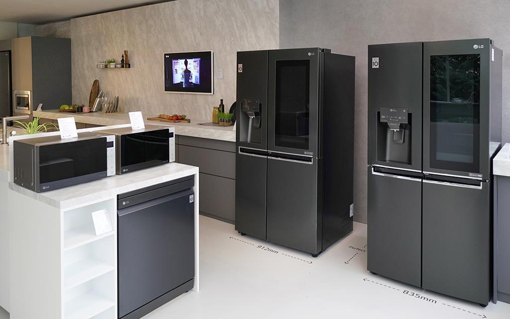 LG presents their latest kitchen appliances in the ultimate smart home, with NeoChef, Refrigerator and Dishwasher | More at LG MAGAZINE