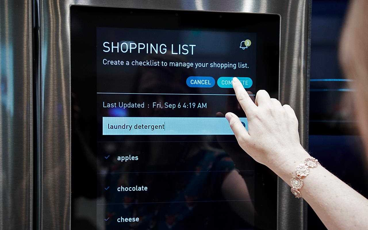 With the InstaView ThinQ Refrigerator, you can add items to your shopping list so you don't forget anything on your next trip to the supermarket | More at LG MAGAZINE