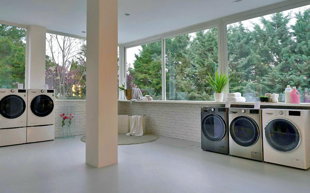 LG's washing machine lineup, on display at InnoFest in Madrid | More at LG MAGAZINE