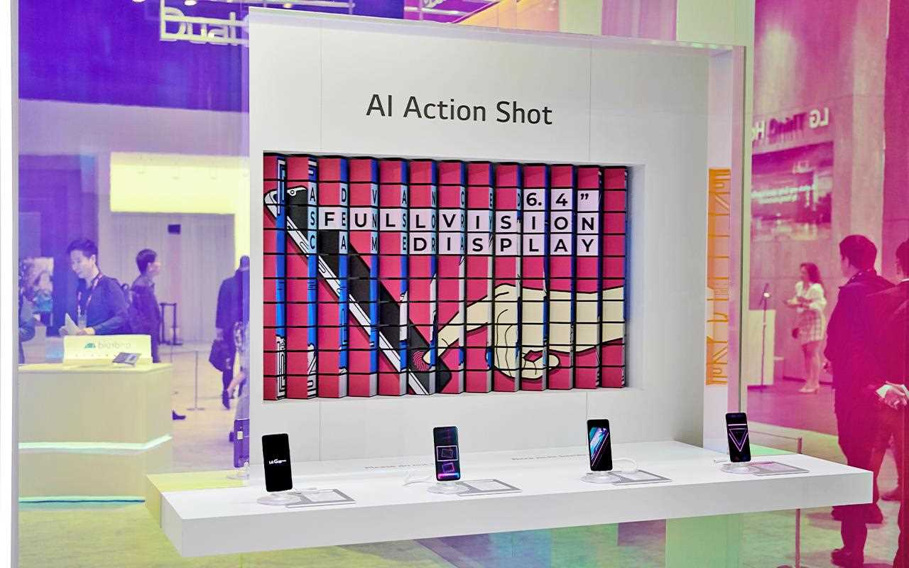 At the action shot booth at IFA 2019, you can take a shot that would normally be blurry with perfect precision thanks to the LG G8X ThinQ | More at LG MAGAZINE