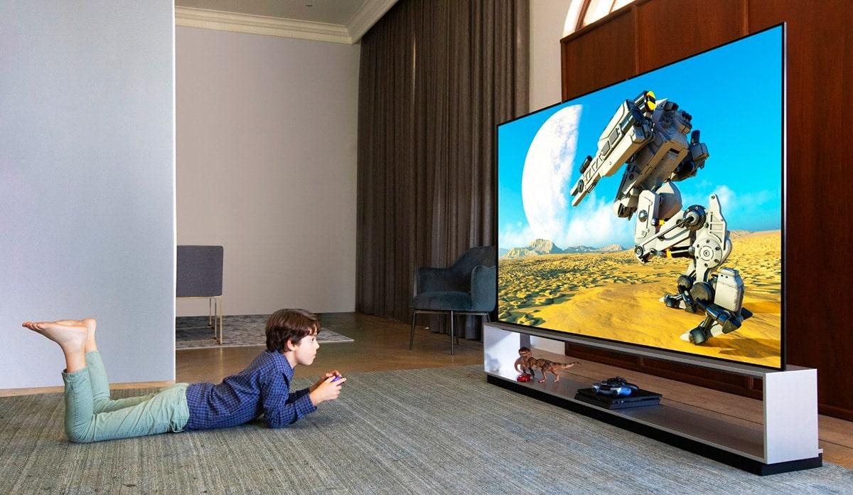 Полки вокруг телевизора на стене фото