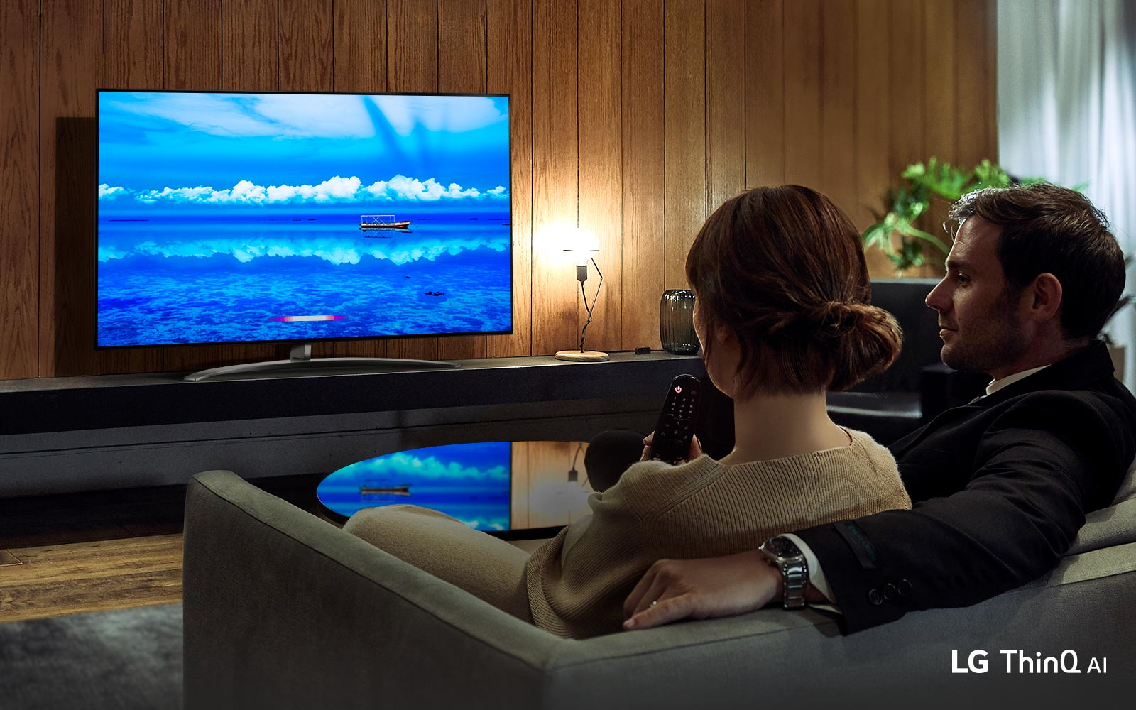 TV-NanoCell-SM85-14-Nanocell-AI-ThinQ-Desktop