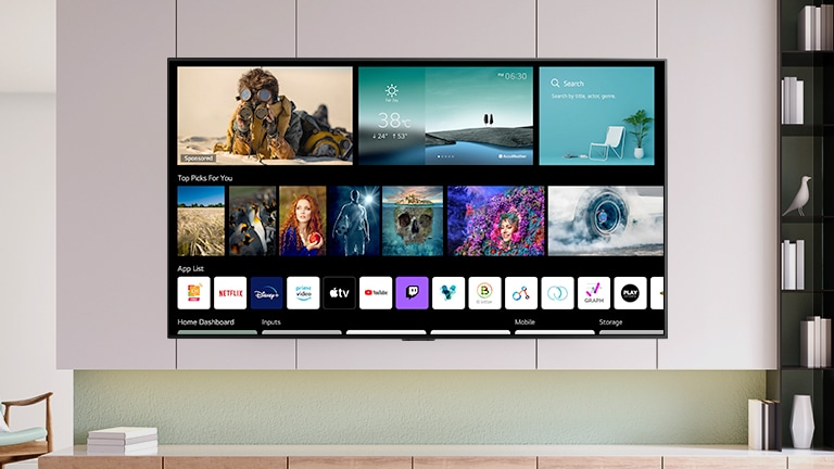 شاشة تلفزيون تعرض الشاشة الرئيسية المصممة حديثًا والتي تتضمن محتويات وقنوات مخصصة