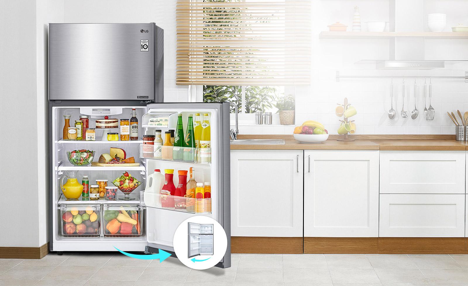 الثلاجة في مطبخ بباب يفتح جهة اليمين. بجانب الثلاجة توجد دائرة صغيرة بها صورة لنفس الثلاجة مع باب يسار مفتوح للإشارة إلى باب قابل للعكس.