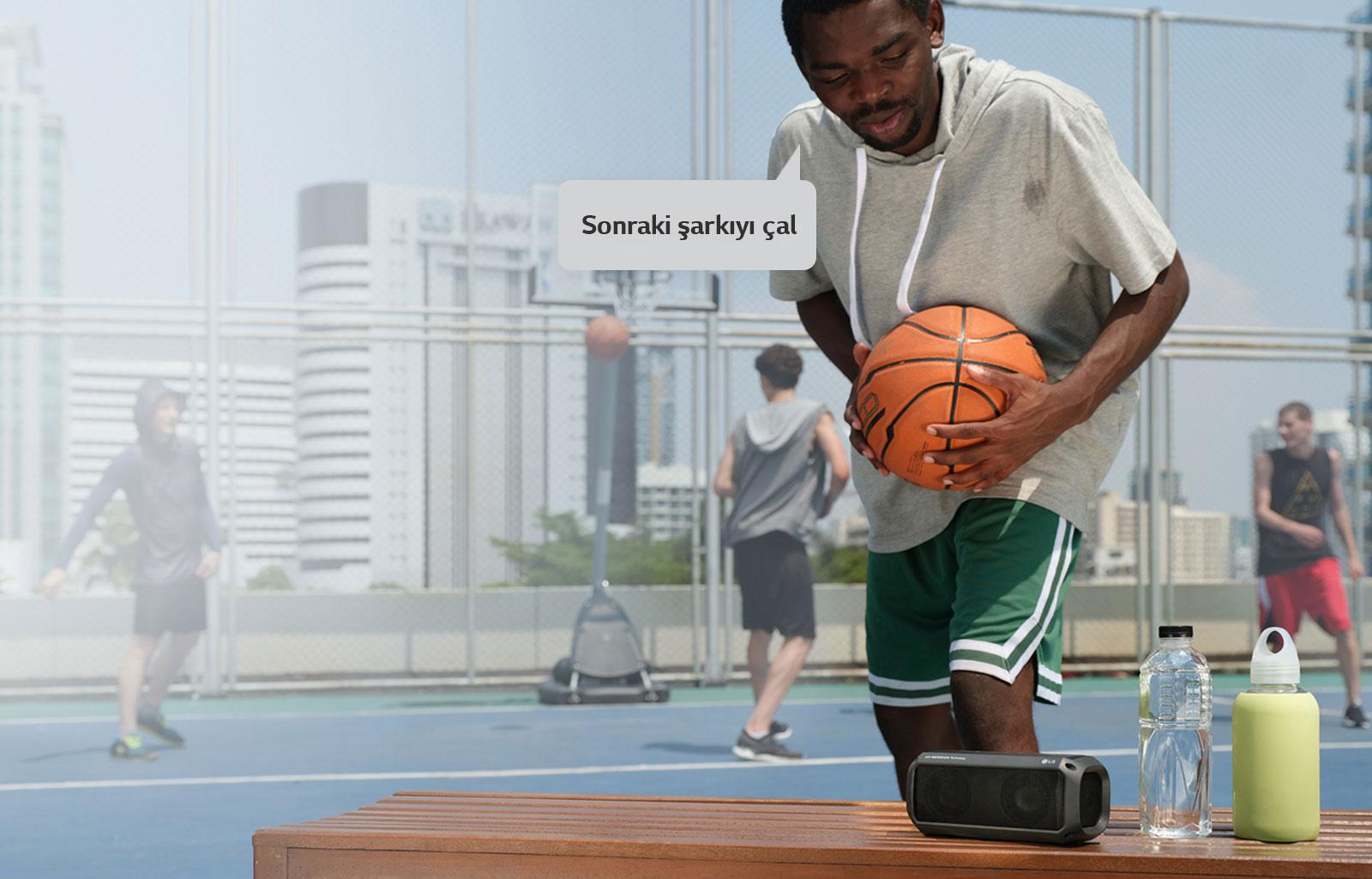 06_PK3_Tell_Your_Speaker_What_To_Play_Desktop-V01