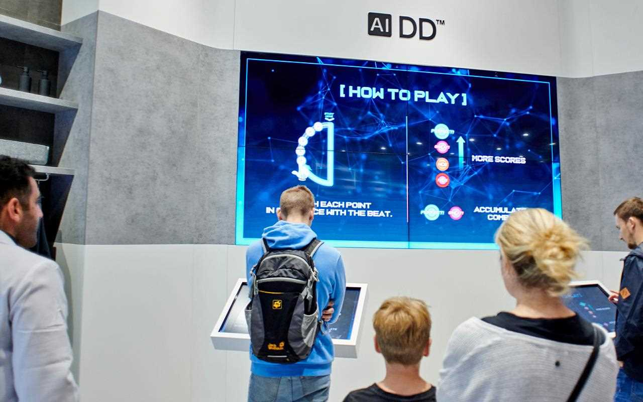 At IFA 2019, the washing machine section featured a game where you take a trip inside the LG AI Washer A close-up of the LG AI Washer, on show at IFA 2019 | More at LG MAGAZINE