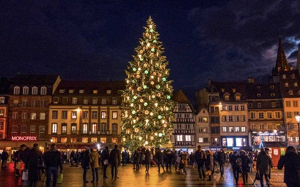 The town square in Strasbourg, hosting the Christmas market in 2017.