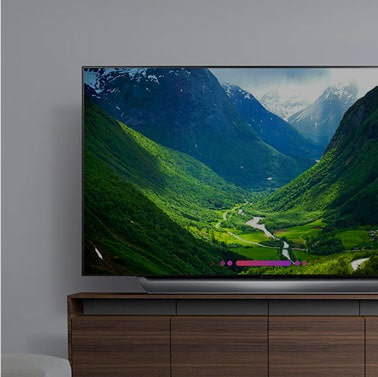LG OLED C8 - α9 Intelligent Processor Head-turning Slim Design