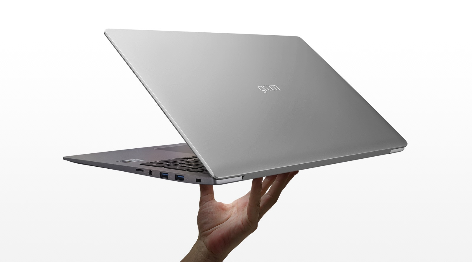 15.6 inch gram laptop ultra-lightweight