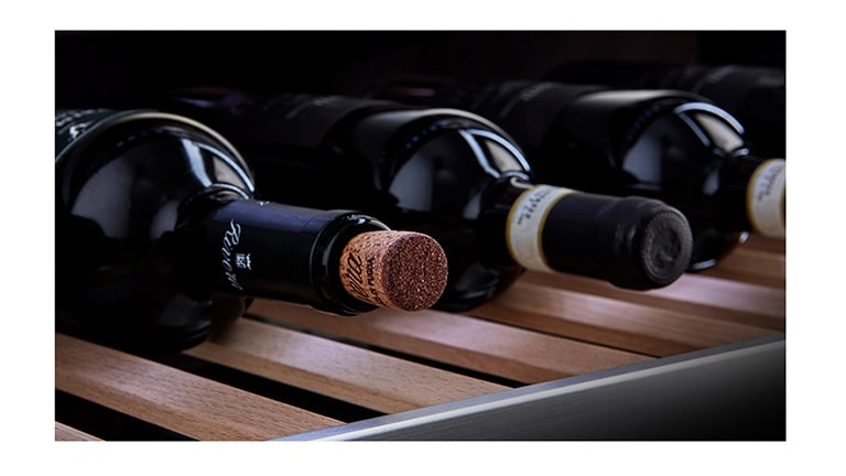 Wines are placed on the LG SIGNATURE Wine Cellar.