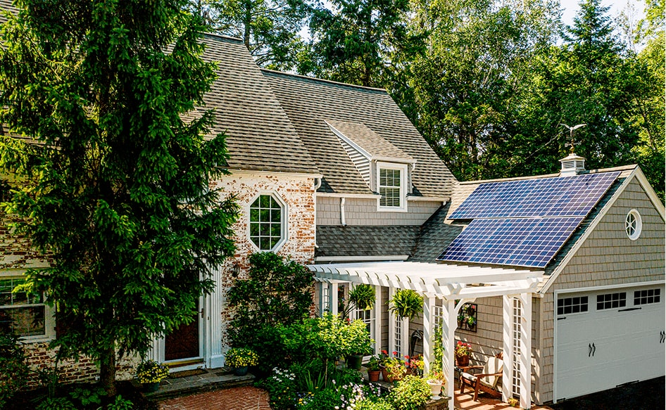 How much does it cost to power a house with solar panels ...