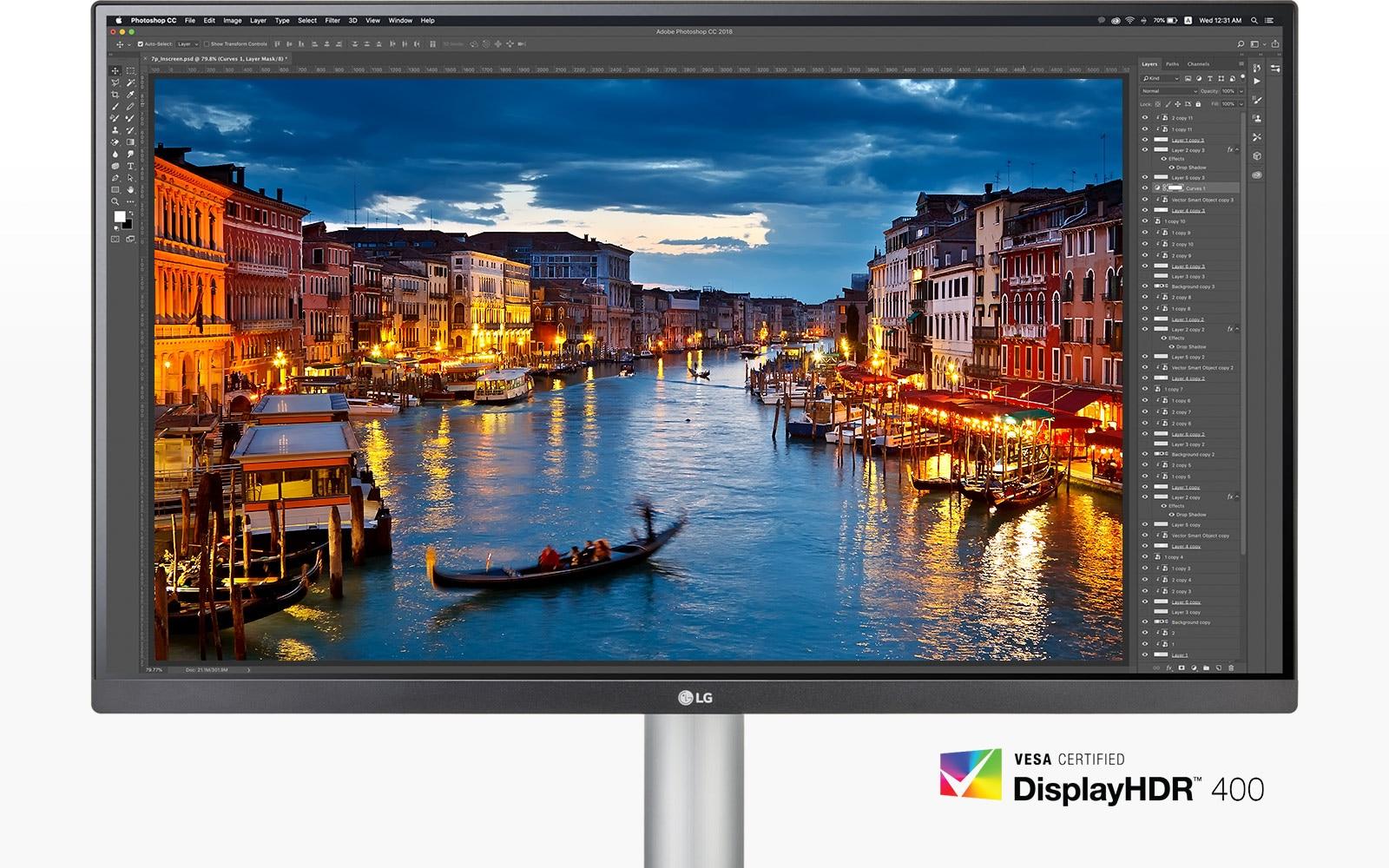 Màn hình với VESA DisplayHDR™ 400 cho phép người xem đắm mình trong hình ảnh ấn tượng