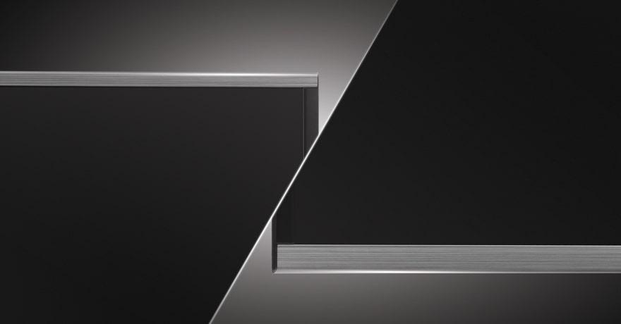 Thiết kế khung viền kim loại sang trọng