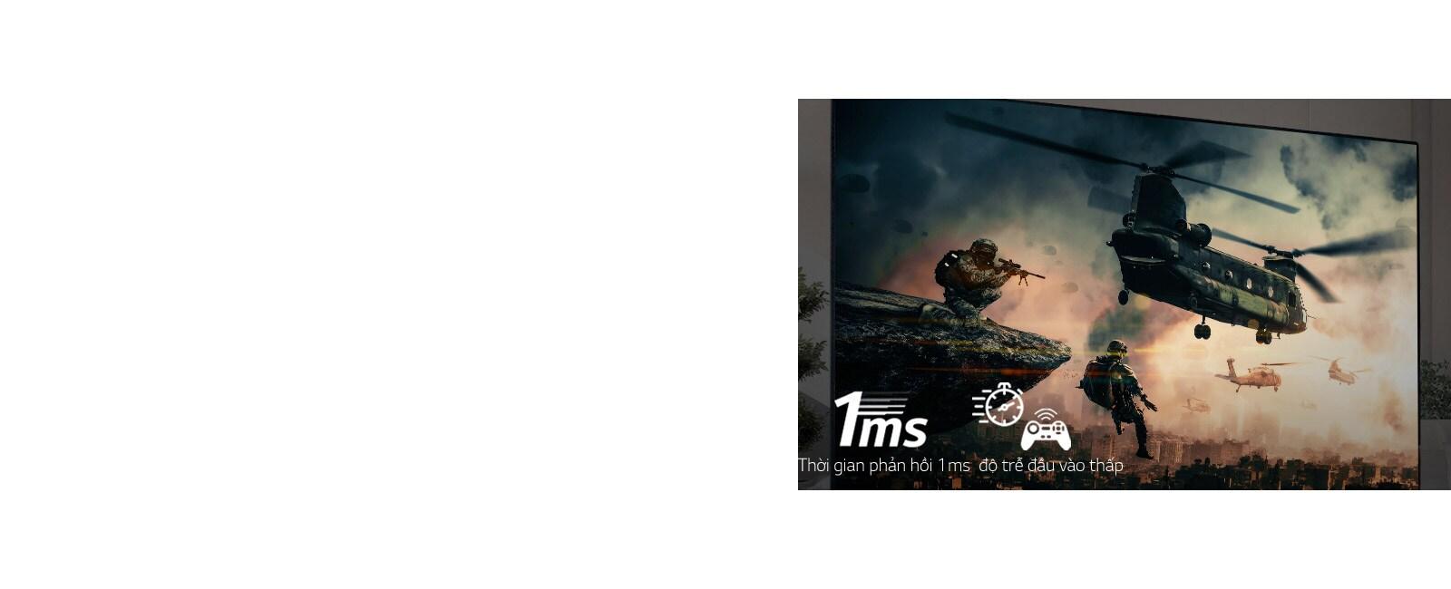 Cận cảnh người chơi cầm tay lái xe đua đang chơi trò chơi đua xe trên màn hình TV